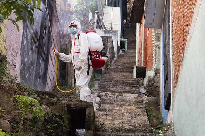 Tratamiento de desinfección en un lugar externo