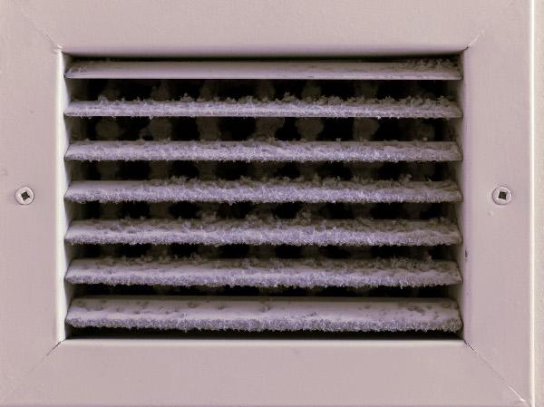 Conducto de aire acondicionado que huele mal